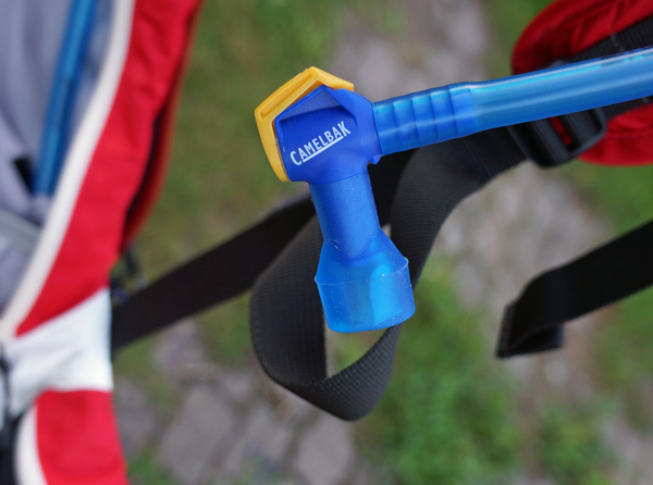 Camelbak-Charge-LV10-02
