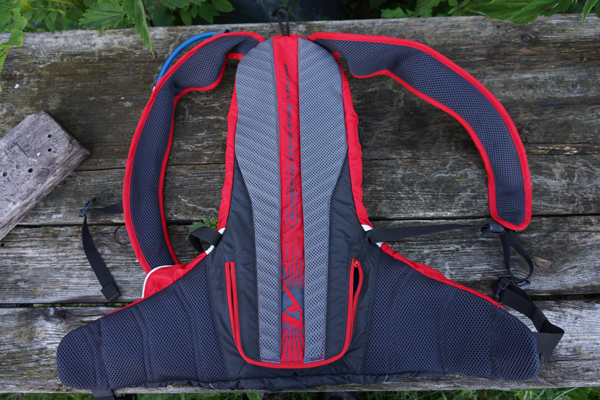 Camelbak-Charge-LV10-03