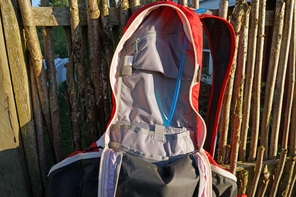 Camelbak-Charge-LV10-07