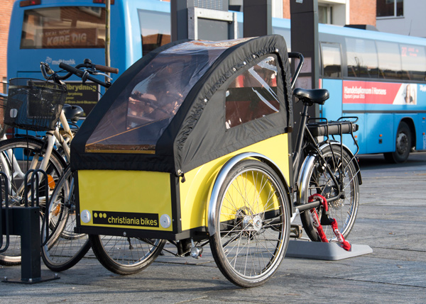 Meno-Cargo-Bike-parking-03