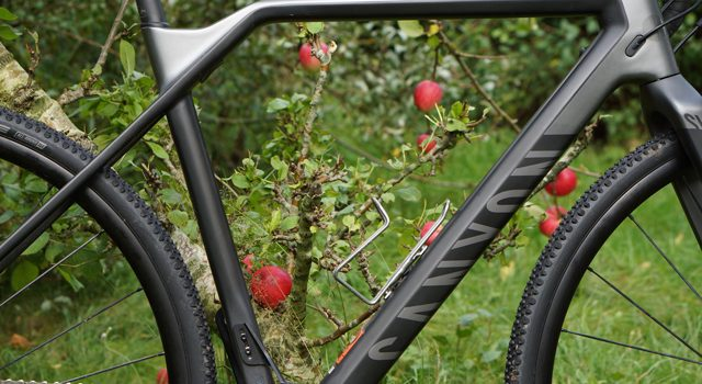 TEST: Canyon Inflite CF SLX 8.0 Pro Race