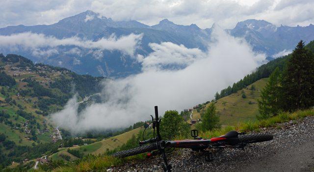 De højeste bjerge, de stejleste stigninger, de længste spor og den bedste vin…