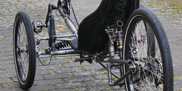 Verdenspremiere på dansk liggecykel