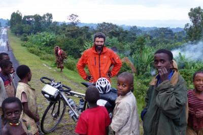 Reza-with-African-children-1024x683