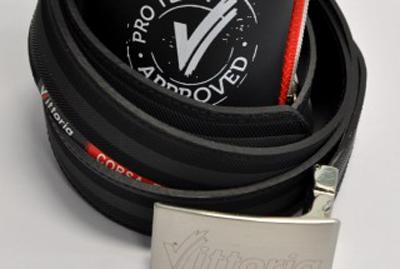 Vittoria-set-belt+zipcase-02