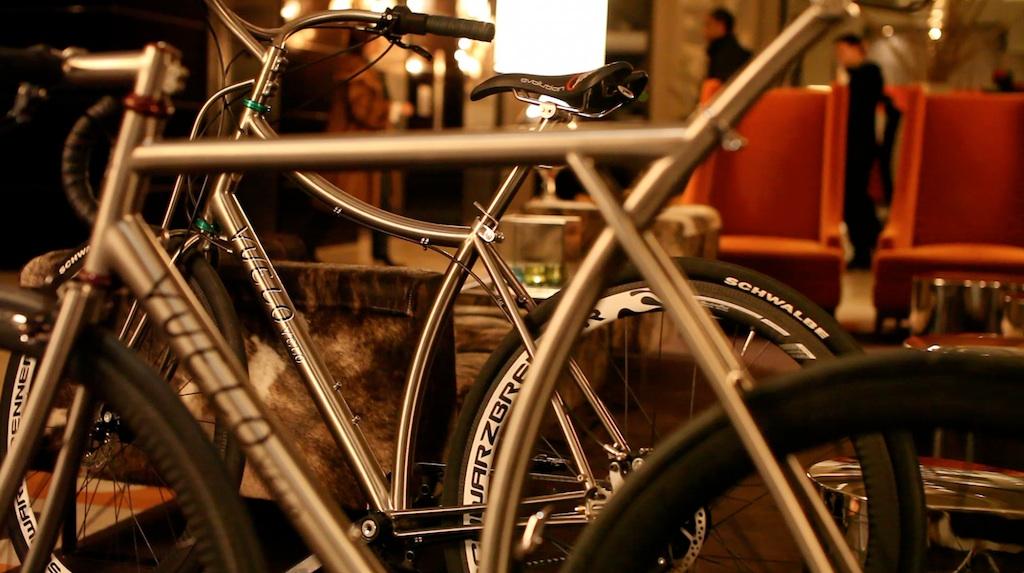 Cykeludstilling i Århus og København