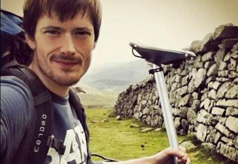 Irsk eventyrer vil erobre fem bjerge med foldecykel.