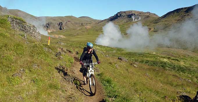Seks dage på mountainbike blandt vulkaner og gejsere