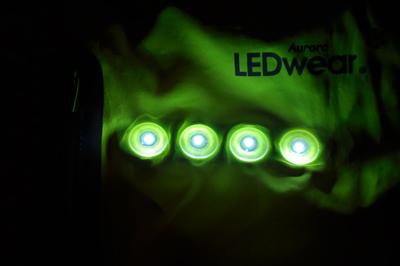 ledwear04
